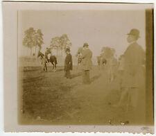 PHOTO ANCIENNE - CHEVAL CHAMPS DE COURSE SPECTATEUR PARI -HORSE-Vintage Snapshot
