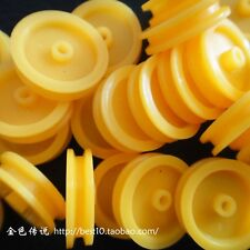2x17mm 10pcs Piccolo giallo di plastica puleggia Wheel Motor Pulley fai da te