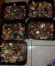 gros lot centaine de  porte clés Ancien divers pub collection