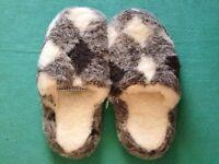 Schafwoll Hausschuhe, Pantoffeln Puschen Hüttenschuhe Gr. 36 - 42