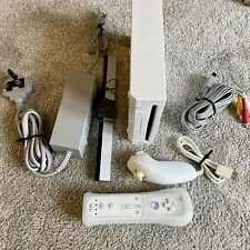 Genuine Nintendo Wii Console Full Set Up with 1 White Wii Controller & Nunchuck
