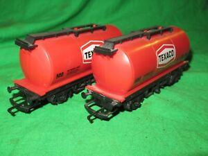 2 Hornby OO gauge R184 Texaco Tanker Wagons