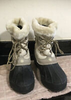 Snow Boots Ladies Trespass  Fur Lined, Great Quality 8 41 Fabulous Condition