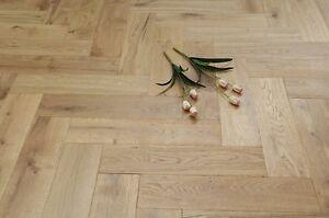 Oak Brushed & UV Oiled Engineered Herringbone Flooring 600x150x14/3mm HO1401