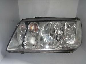 VW Bora 1J 1.9 TDI Scheinwerfer Licht Leuchte vorne links Hella 1EH963560