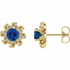 Zafiro Azul & 1/6 Ctw Diamante Halo-Style Pendientes En 14K Oro Amarillo