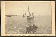 BRETAGNE BATEAU THONNIER A VOILE EN POSITION DE PECHE IMAGE 1922