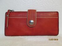 Retired Fossil Weekend Bi Fold Soft Leather Snap Closure Wallet/Clutch
