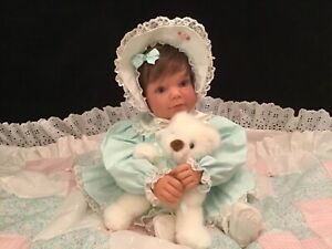 "Lee Middleton Doll "" Little Sweetheart """
