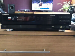 Pioneer CLD- 1200 Cd CDV LaserDisc Player And controller Plus Extras!!