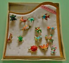 14 VINTAGE SCATTER PINS AND SHOP DISPLAY PAD ~ BOXED