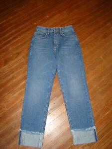 "NEW CARMAR Bryce Jeans, High Waist Cuffed Cut-Offs Size 25 actual: 26"" X ""26"""