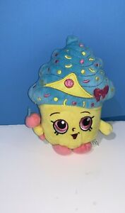 "7"" Cupcake Queen Shopkins Small Stuffed Plush Toy Yellow Body Blue Top"
