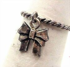 SIZE 4 UNDER $20 Sterling Silver Vintage 925 Charm Bow Tie Band Ring 1.6g R62