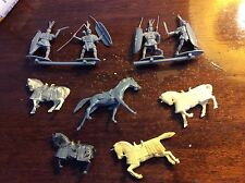 lot of 7 Medieval knights pairs with shield sword spear horses toy soldier, used