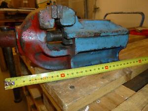 Alter Schraubstock Spannweite 10,5 cm Backenbreite 10 cm robust 7,6KG