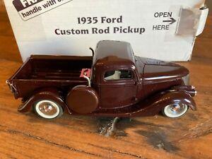 Danbury Mint 1:24 Ford Custom Rod Pick Up 1935 Burgundy Street Rat 1999