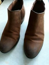 LADIES TAN SUEDE WESTERN LOW SLUNG ANKLE BOOTS BY 'TOMMY HILFIGER' - SIZE 5
