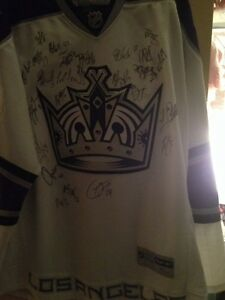 Los Angeles Kings Team Signed Jersey 2008 Year With Luc Robitaille ON SALE