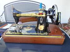 Wunderschöne sehr seltene Handkurbelnähmaschine reich verziert von Silktree