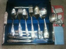Oneida Community WHITE ORCHID Flatware for 8 with wood Box No Monograms 52 pcs