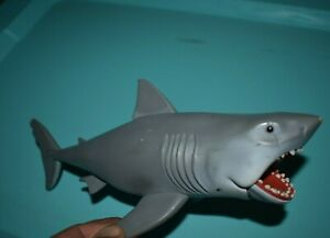 FUNKO ReACTION JAWS GREAT WHITE SHARK ACTION FIGURE LOOSE
