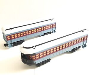 Polar Express Lionel Ready To Play 2 Passenger Cars 7-11824
