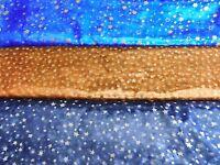 Weihnachtsstoff (€10/m²) 30 cm Organza goldene und silberne Sterne 1,5m breit