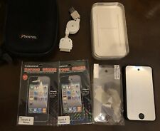 Apple iPod touch 4th Generation Black (32 GB) With Case, Speakers, Cable, Bundle