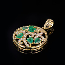 Christmas Natural Green Emerald Gemstone Diamond Pendant Solid 18K Yellow Gold