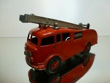 DINKY TOYS 555 FIRE ENGINE LADDER TRUCK - RED 1:50? - GOOD CONDITION