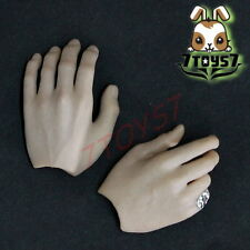 Hot Toys 1/6 Sweeney Todd_ Hands#3_ Ring Barber    HT078H