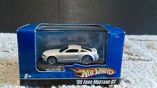Ford Mustang GT / Hot Wheels frm Mattel  1:87 ** NIB