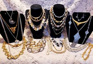 22 Piece Vintage and Modern Mixed Tone Necklace Lot - Trifari, Ciner