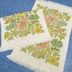 Retro Floral Hand Towels Dundee Terry Cloth 60s 70s USA Set of 2