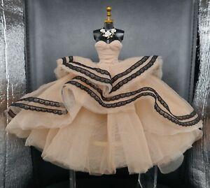 Ombres Poétique Mademoiselle Jolie Dress + Irrésistible Dania Zarr Necklace