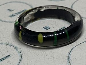 Black Plastic Ring (Black & Green Pattern) Size R