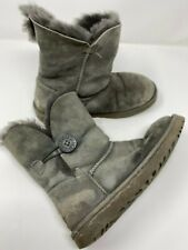 UGG s/n 5803 Bailey Button Gray women's boots Size 7