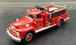FIRST GEAR 1951 Ford F7 Model Pumper truck Fire Dearborn 1:34 19-1990