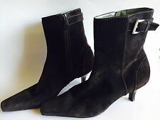 ANN TAYLOR Brown Suede Leather Ankle Boots Booties Shoes Buckle Heels Womens 8.5