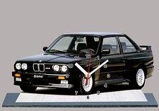 BMW M3 E30-04, VOITURE ALLEMANDE EN HORLOGE MINIATURE SUR SOCLE