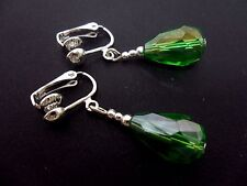 A PAIR OF DANGLY GREEN GLASS   CRYSTAL TEARDROP CLIP ON EARRINGS. NEW.