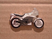 très insolite Cache YAMAHA XJ 600 XJ600 Broche Badge seulement 1 IN STOCK S/W 26