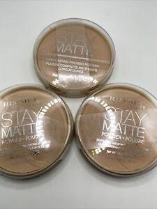 3 Rimmel London Stay Matte Lightweight Powder 005 Silky Beige