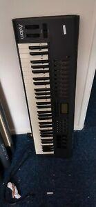 M Audio Axiom 61 Midi Keyboard (7)