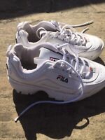 Good Condt. Chunky Girls White Fila Trainers - Size 3 🌸🌈🌸