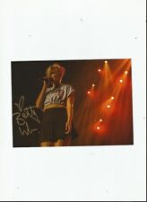 BETTY WHO SIGNED AUTOGRAPHED 5 x 7 SIGNED IN GOLD!
