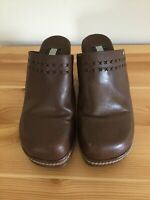 Tommy Hilfiger Size 7 M Brown Tan Leather Mule Clogs Slip On Wedge Heels