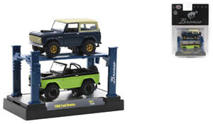 M2 MACHINES AUTO-LIFT 2 PACK BLUE & GREEN 1966 FORD BRONCO [PREORDER]