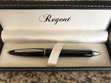Très beau stylo bille à virole noir et argenté